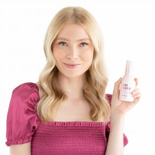 Restores hair and protects color. Super concentrated treatment oil mends split ends and instantly seals the cuticle from the inside out for long-lasting color protection. Leaves hair smooth, shiny, and healthier looking for up to 4 washes (clinically tested).